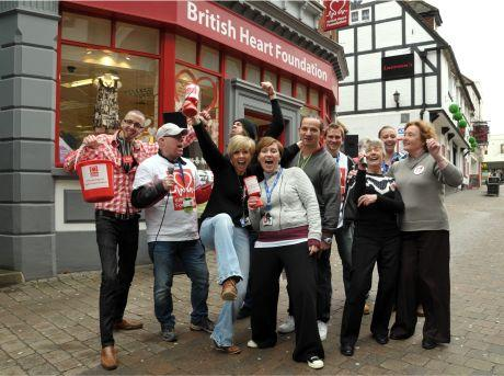 British Heart Foundation staff join forces with Southern Electric to sing in Wote Street